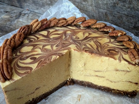 Raw-Pumpkin-Patch-Pie-with-Chocolate-Ganache-Marbeling3