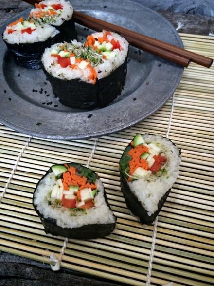 Raw-Veggie-Sushi-Hearts3344
