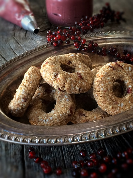 Raw-Cranberry-Pumpkin-Spiced-Donuts2