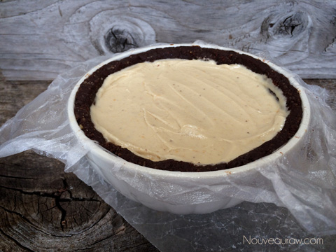Raw-Peanut-Butter-Banana-Igloo-Cake00