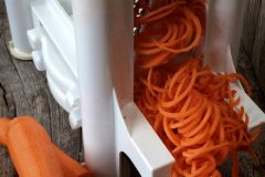raw-carrot-noodles