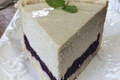 Raw-blueberry-vanilla-bean-cheesecake1