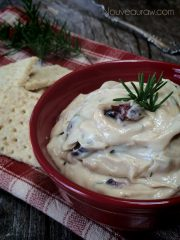 "Rosemary and Cranberry ""Cream Cheese"" Spread (raw, vegan, gluten-free)"