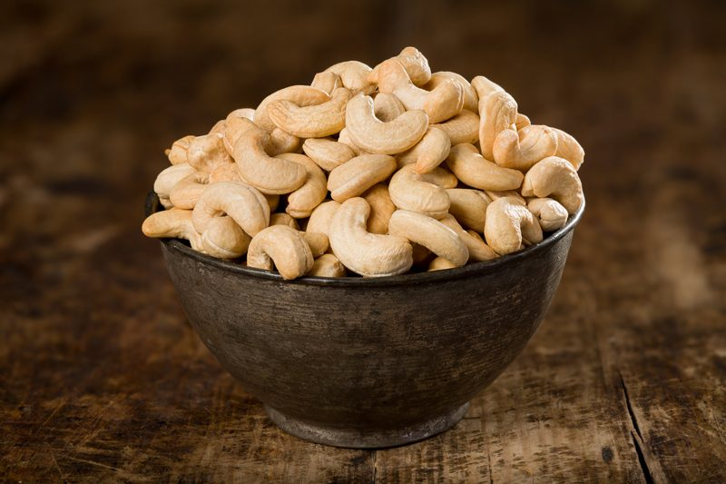 How to soak raw cashews