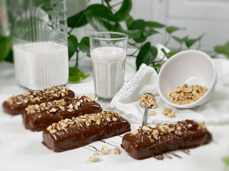 raw vegan gluten free Mulberry Crunch Candy Bars