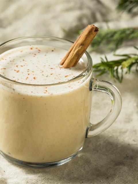 Nut-Chata-Milk-close-up-in-glass-mug-F