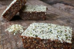 Raw-Apricot-Hemp-Seed-Delight-Bar1