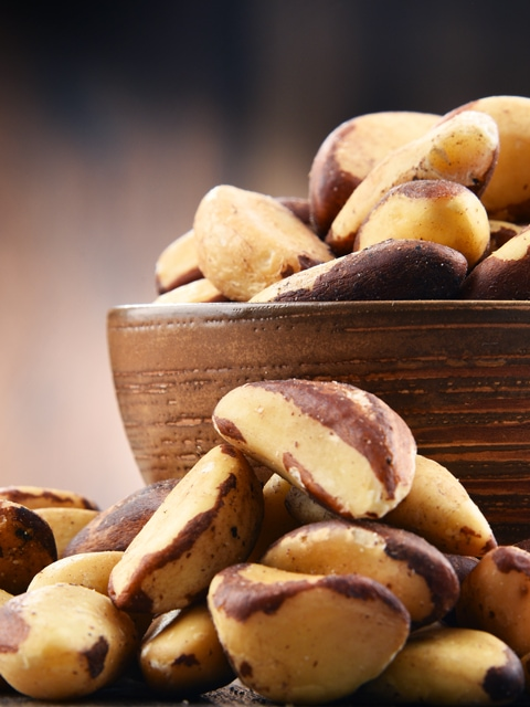 brazil-nuts-in-a-wooden-bowl