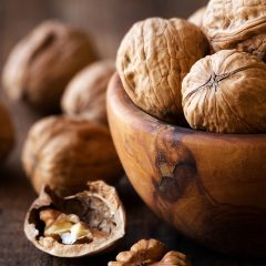 Raw Food Diet - Soaking Walnuts