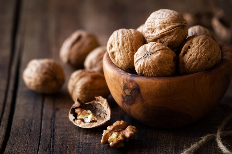 How to soak walnuts and dehydrate walnuts for raw diets