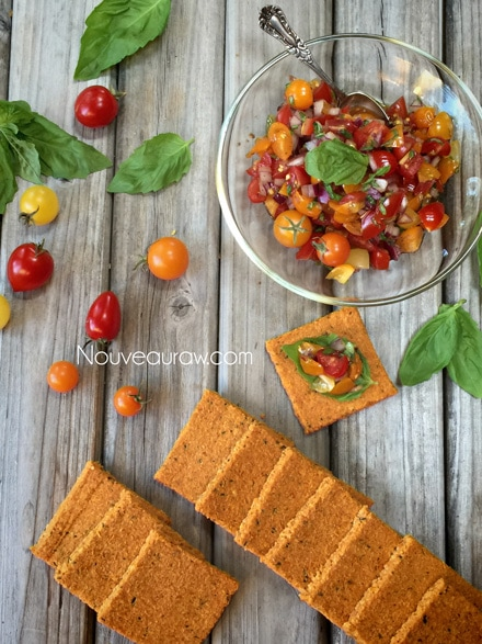 Tomato-Herbed-Crackers1
