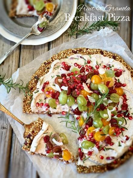 Breakfast Pizza with Granola Crust (raw, vegan, gluten-free, nut-free)