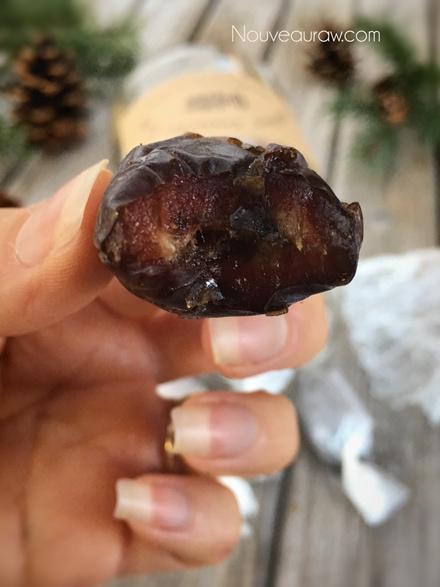 a close up of Medjool dates - Recipe for raw Caramel Ganache Truffles