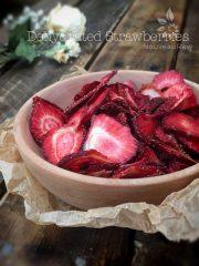 Strawberries (raw, dehydrated)