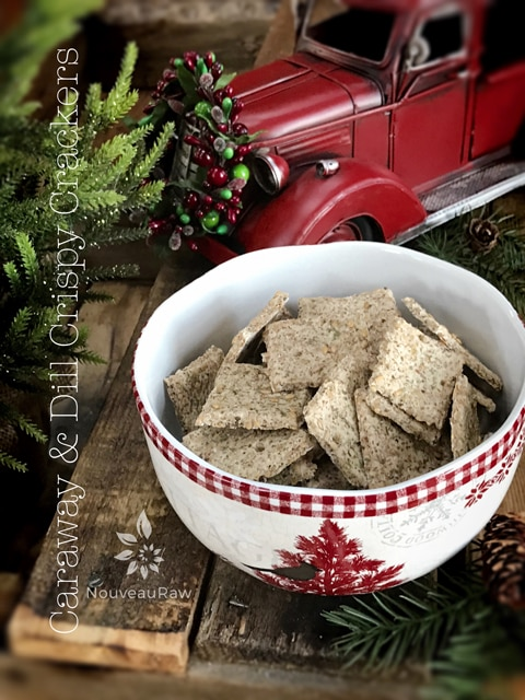 caraway-and-dill-crispy-crackers-feature