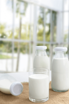 almond-milk-in-bottle-480