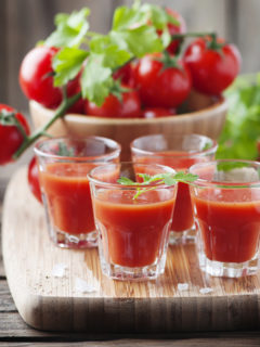 juicing-tomatoes-F