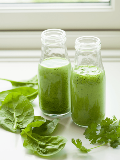 juicing-with-a-blender-green-juice-480