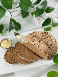 gluten-free vegan yeast-free nut-free lassy bread (molasses and golden raisin)